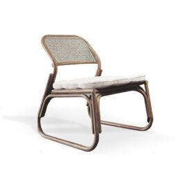 arm chair terbuat dari rotan